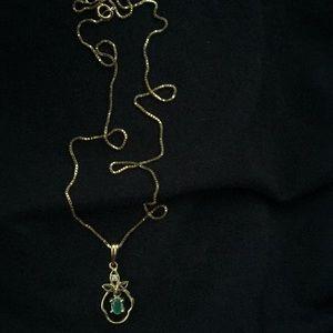 18K Apple Emerald Diamond pendant Necklace